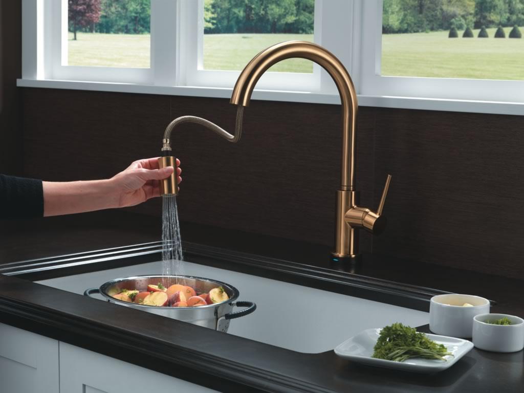 Llaves para cocina delta faucet for Llaves mezcladoras para cocina